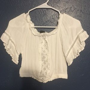 White crop shirt with lace cute outs
